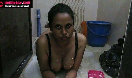 Brünette Mädchen in Dusche und Dressing für erotik filme kostenlos sehen Party