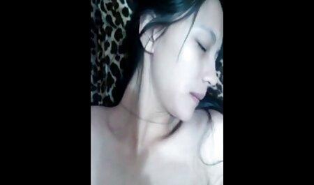 Kleine Titted Redhead Slut wird hart erotig filme gratis auf dem Sofa gefickt