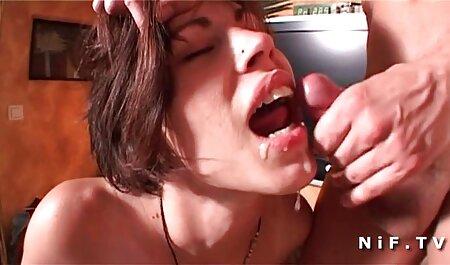Freches und sexy asiatisches Babe, das erotik filme gucken kostenlos Muschi mit einem Dildo verstopft