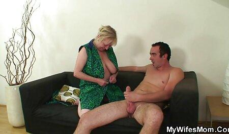 Webcam Treat 01 erotikfilme online kostenlos - Ebenholz Mädchen zeigen ihre Sachen und spielen ein bisschen