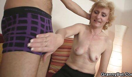Junges erotikfilmegratis deutsches Mädchen nimmt großen Schwanz