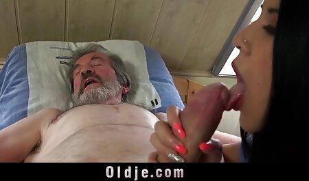 Sativa und Nikki lutschen abwechselnd einen Schwanz. Teil 2 freeware erotikfilme von 2