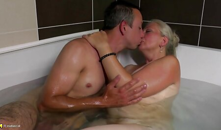 Küken freuten sich über Schwänze und gratis erotik filme genossen Bukkake