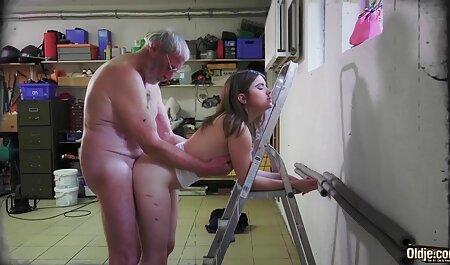 Blond mit einem langen erotikfilme kostenlos sehen brutalen Dildo