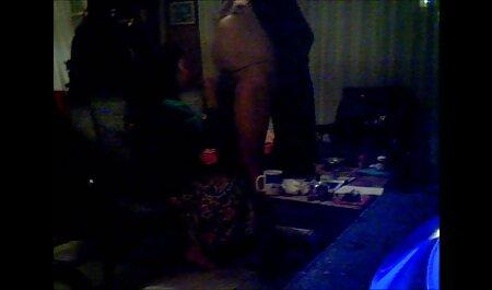 Wunderschöne Rothaarige erotikfilme kostenlos sehen vor der Webcam liebt anale Masturbation