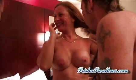 ultra glänzende Strumpfhosen Babe sieht in Bronze Strumpfhosen freie erotikfilme so gut aus
