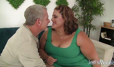 Sie erotik filme kostenlos schauen spielt mit ihrer Muschi