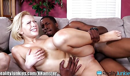 Blondes Fahren nackt und erotikfilmegratis masturbierend