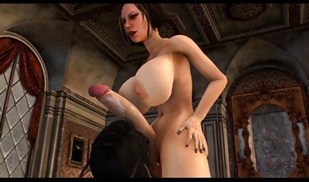 Die sexy Blondine freie erotik filme mit Tätowierungen probiert ihren neuen Dildo aus