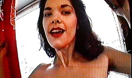 Brynn Coyl erotikfilme online kostenlos saugt sexy Zehen